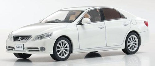 Toyota Mark X Premium (Early Type) (Белы...